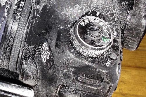 凍りついたカメラ